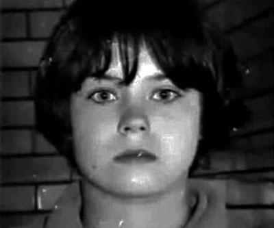 Mary-Bell-a-los-11-años-(YouTube) La niña Psicópata asesina.